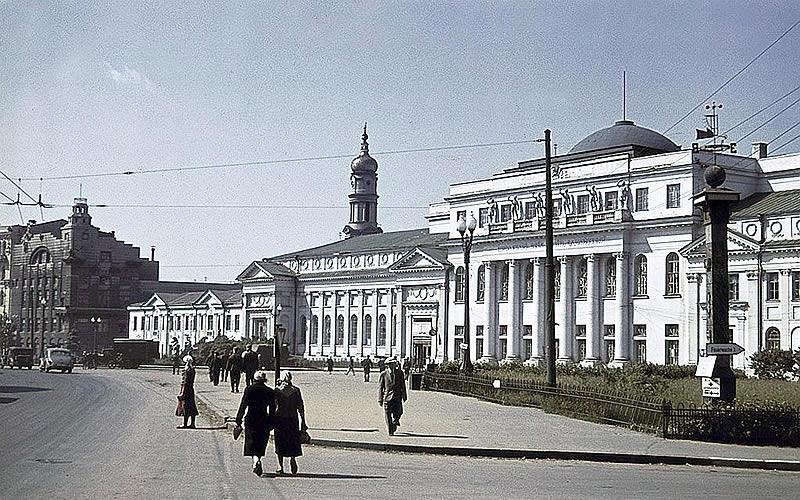 Палац пионерив 1942